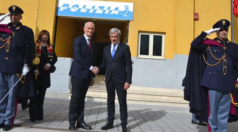 Enna : il capo della polizia, Prefetto Franco Gabrielli, in visita alla questura.