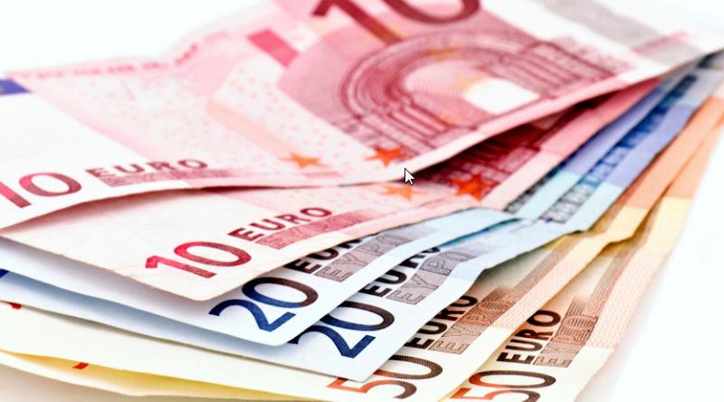 I redditi dei politici: quanto guadagnano Grillo, Di Maio, Renzi e tutti i ministri