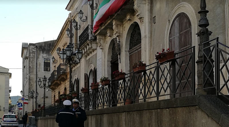 """Valguarnera, Auzzino, capogruppo PD: """"si cerca di bloccare l'amministrazione. Danni per la città"""""""