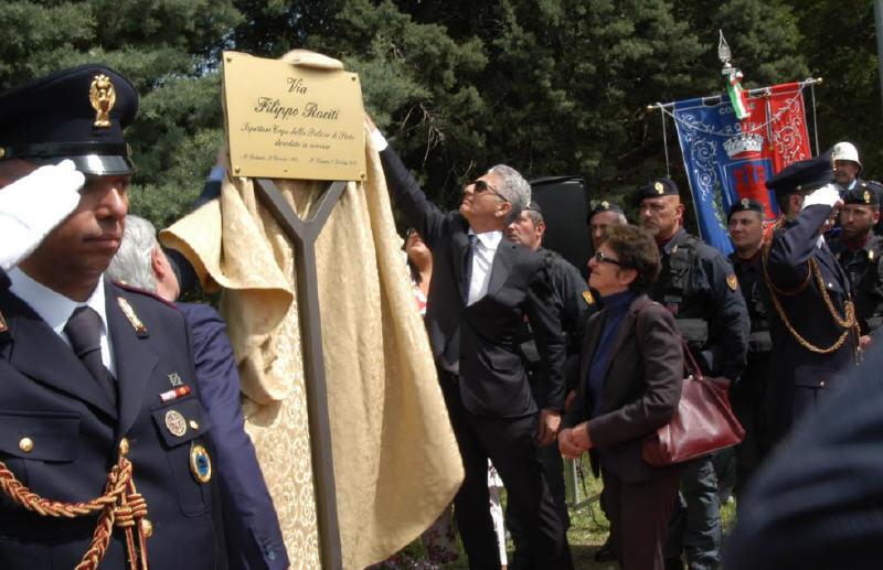 Troina – intitolata via alla memoria dell'Ispettore Capo Filippo Raciti