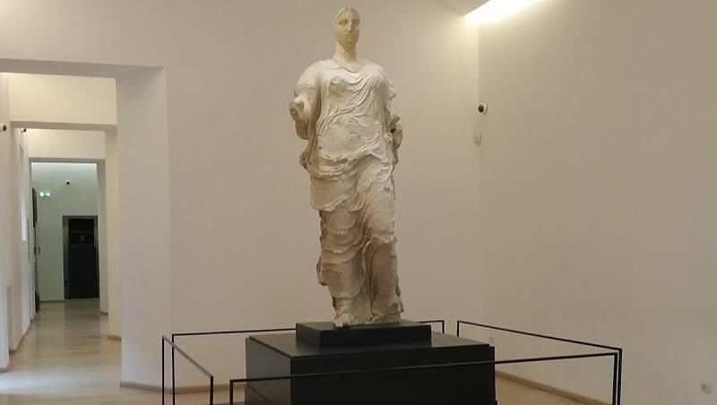 Biglietto unico della Villa Romana: turisti trovano museo di Aidone chiuso.