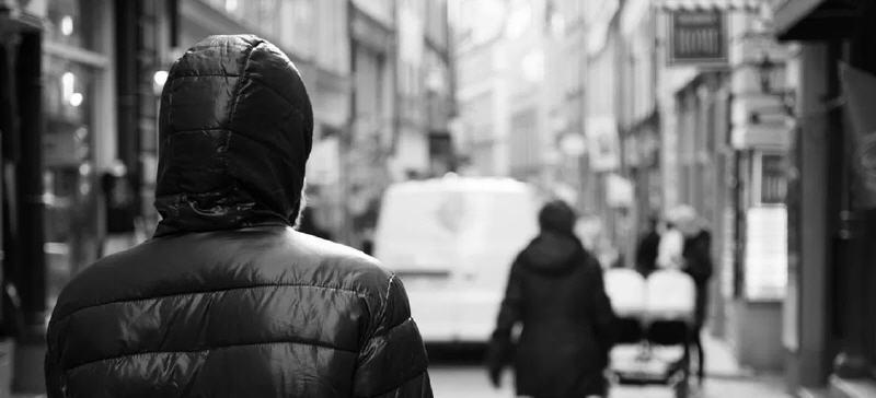 Stalking: divieto di avvicinamento a carico di un giovane nicosiano