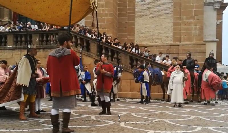 """Palio dei Normanni – Seconda giornata: """"La consegna delle chiavi della Città"""" [VIDEO]"""