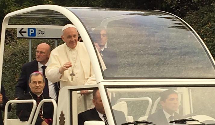 Visita del Papa a Piazza Armerina: attese 200mila persone, arriveranno con 700 pullman e oltre 50.000 auto