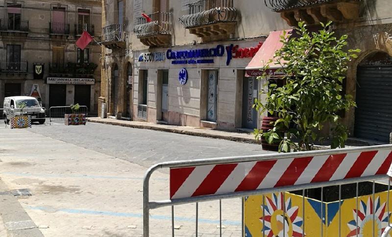 Piazza Armerina – Piazza Garibaldi: l'isola della discordia