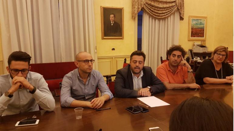 Piazza Armerina – Conferenza stampa nella Sala delle Luci: l'amministrazione fa un bilancio dell'estate piazzese
