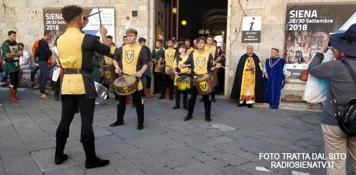 Il Palio dei Normanni a Siena: polemiche e chiarimenti