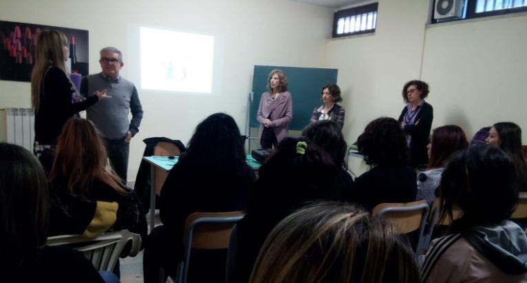All'Istituto professionale Eris di Piazza Armerina gli esperti del consultorio familiare hanno incontrato gli alunni.