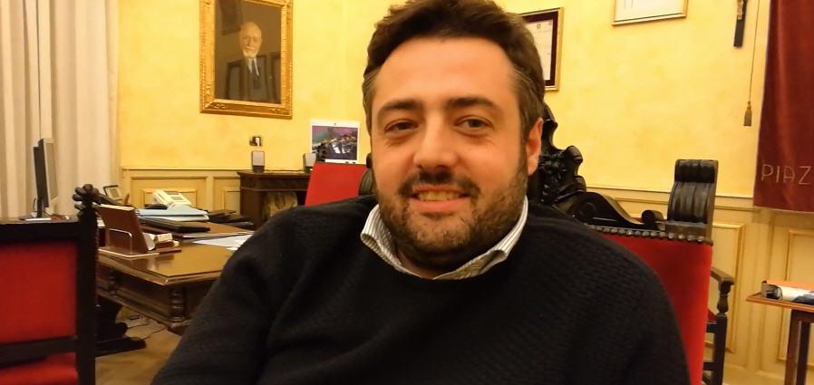 Video . Dichiarazione del sindaco Nino Cammarata sulle dimissioni dell'assessore Amore