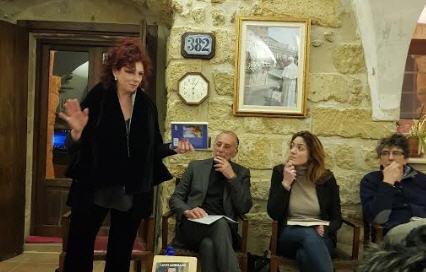 """Lucio Morgano autore di """" Storia scomoda di un poliziotto vero: atto finale"""" ad Enna."""
