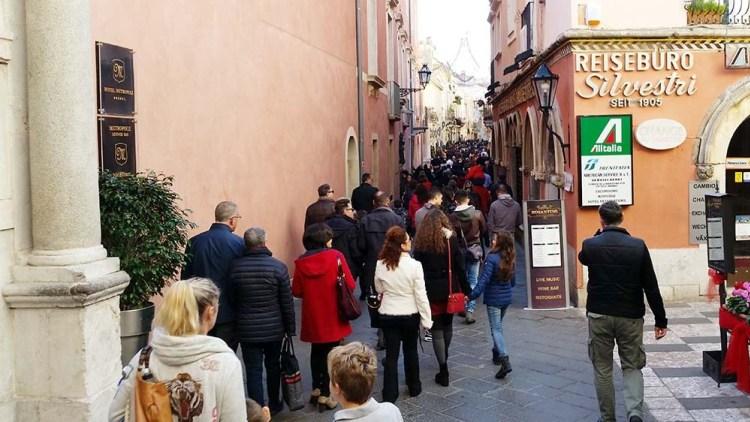 Nelle città turistiche Infopoint al posto delle Unità operative di base
