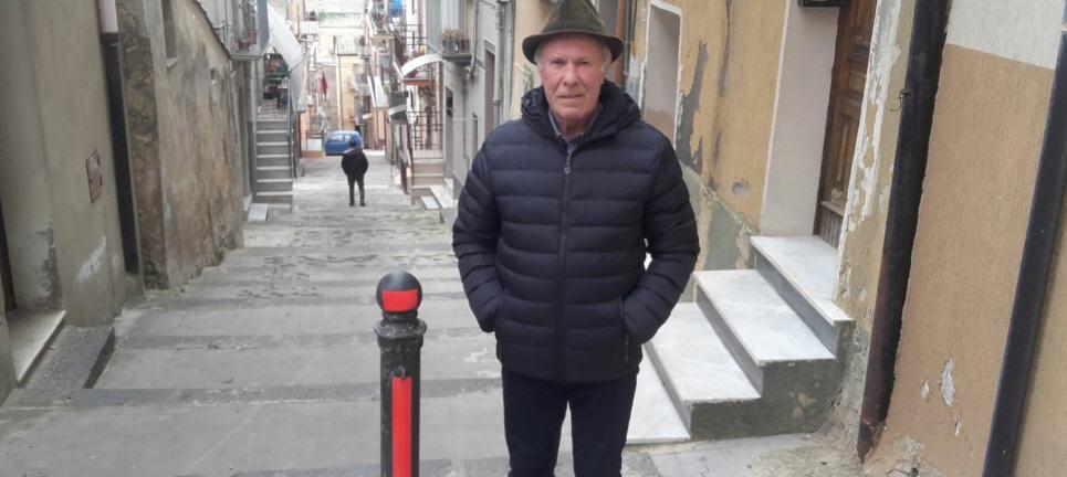 Quartiere Casalotto: una precisazione del signor Filippo Nicotra sul dissuasore di via Pocorobba