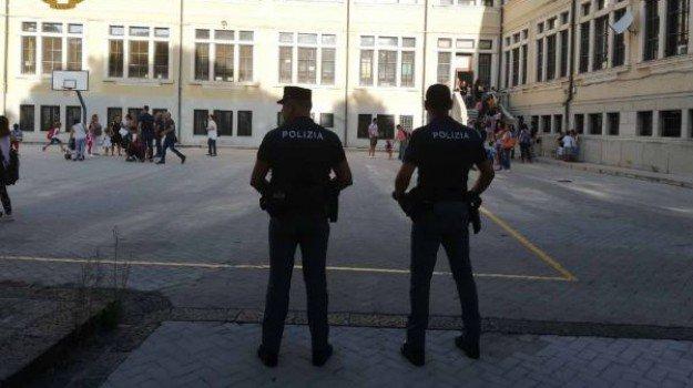 Droga nelle scuole, in Sicilia intensificati i controlli delle forze dell'ordine