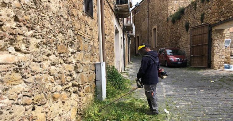 Prosegue la pulizia del centro storico di Piazza Armerina. Un'altra segnalazione al sindaco con DSM