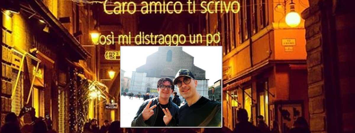 I Romano Bros in piazza Maggiore a Bologna per commemorare Lucio Dalla