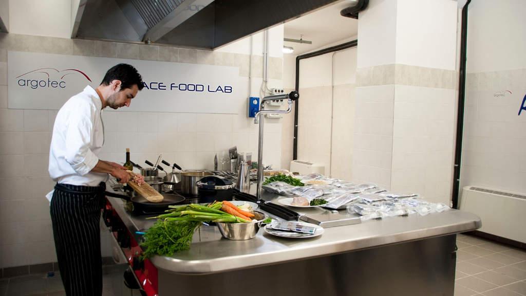 """Dallo spazio alle nostre tavole: il cibo """"spaziale"""" potrebbe cambiare le nostre diete"""