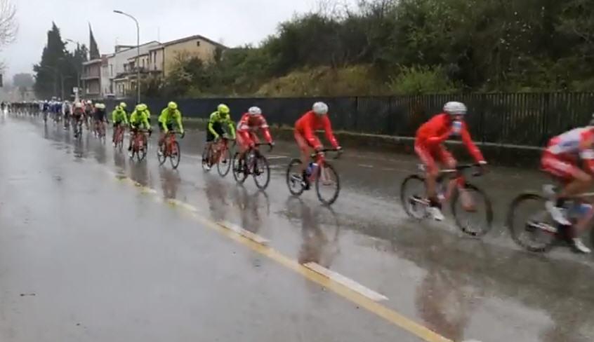 Piazza Armerina- Il Giro di Sicilia sotto un forte acquazzone