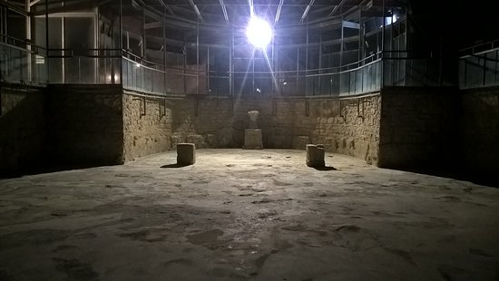 Visite notturna alla Villa romana: polemiche su chi potrà usufruire del servizio
