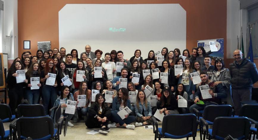 Piazza Armerina – L'UCCIM consegna  gli attestati di partecipazione alle quinte classi del Liceo e del Da Vinci