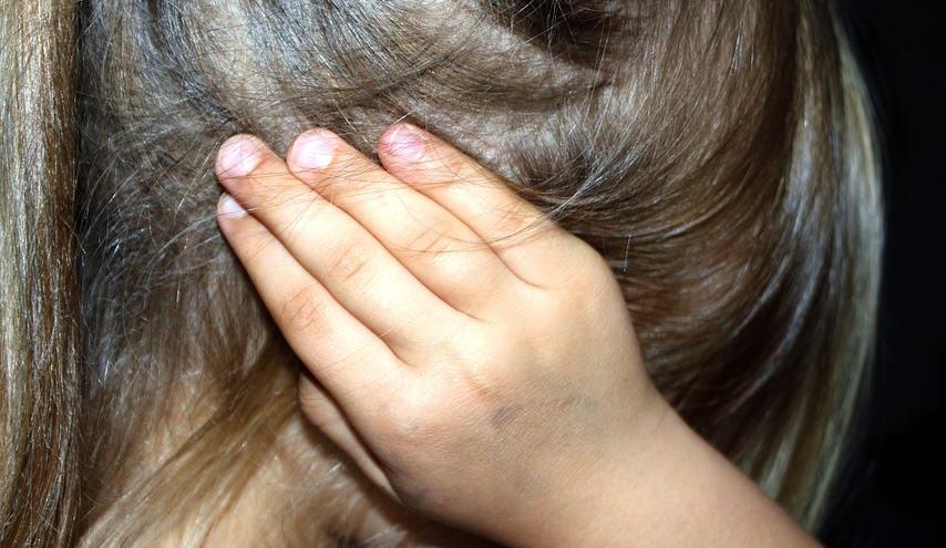 I Carabinieri documentano maltrattamenti ai bimbi dell'asilo, sospesa per due mesi una maestra in Sicilia