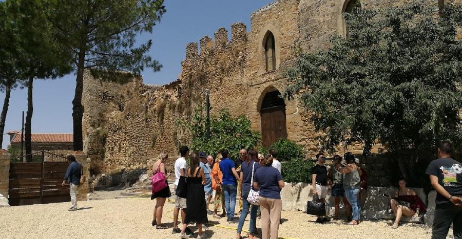 """ll FAI  lancia la 10ª edizione del censimento """"I Luoghi del Cuore"""". Votiamo il Castello Aragonese"""