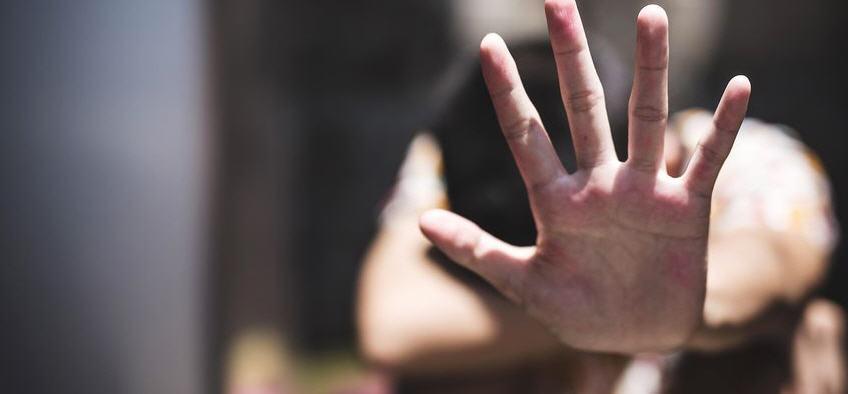 A Pietraperzia ennesimo atto di violenza contro una donna