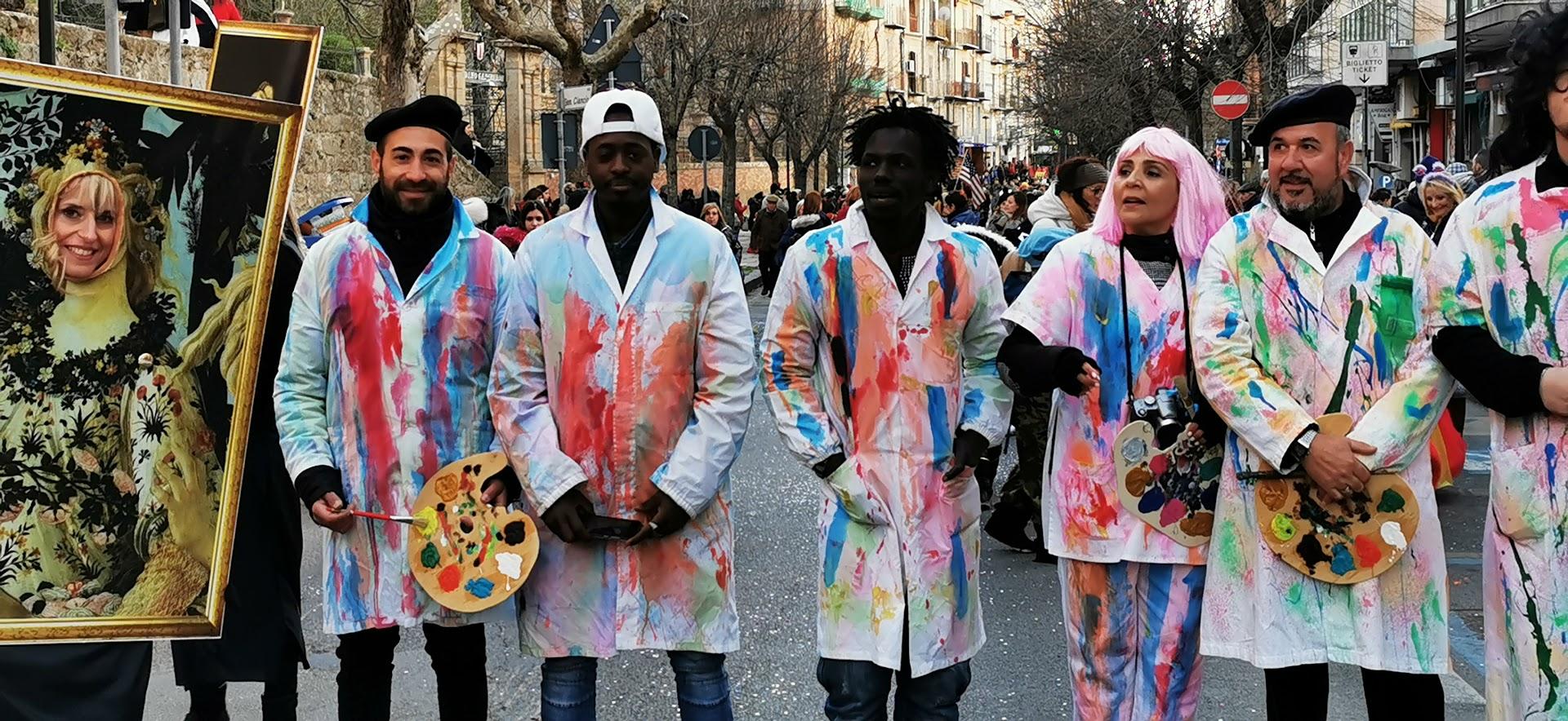 [FOTO] Piazza Armerina – Carnevale, la sfilata dei carri allegorici