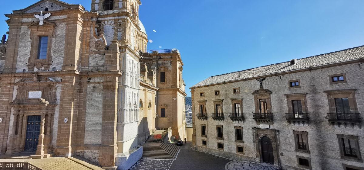 Piazza Armerina. Palazzo Trigona: il presidente Marco Incalcaterra convoca il consiglio comunale