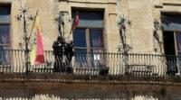 Piazza Armerina – Si cambiano le bandiere in municipio e a palazzo di Città