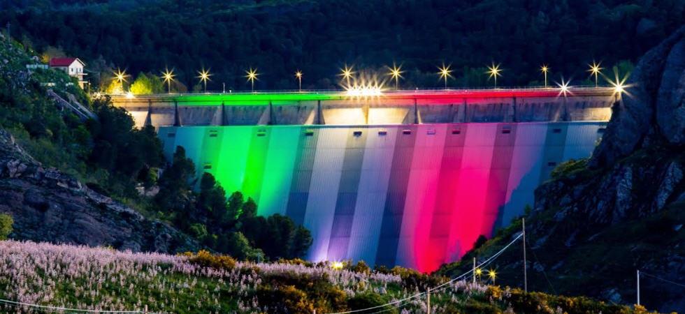 Coronavirus: anche la diga Enel dell'Ancipa illuminata con i colori della bandiera italiana