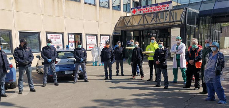 Polizia di Stato in Ospedale per ringraziare il personale impegnato nell'emergenza coronavirus