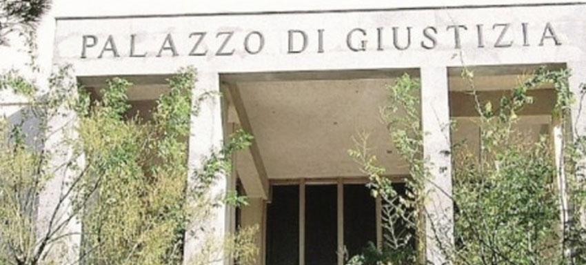 In tribunale interrogato il sacerdote Giuseppe Rugolo. Impedito l'accesso al Palazzo di giustizia ad una giornalista