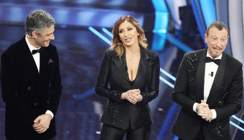 Sanremo, pubblico su nave crociera anti-Covid: Amadeus non smentisce e fa infuriare il sindaco