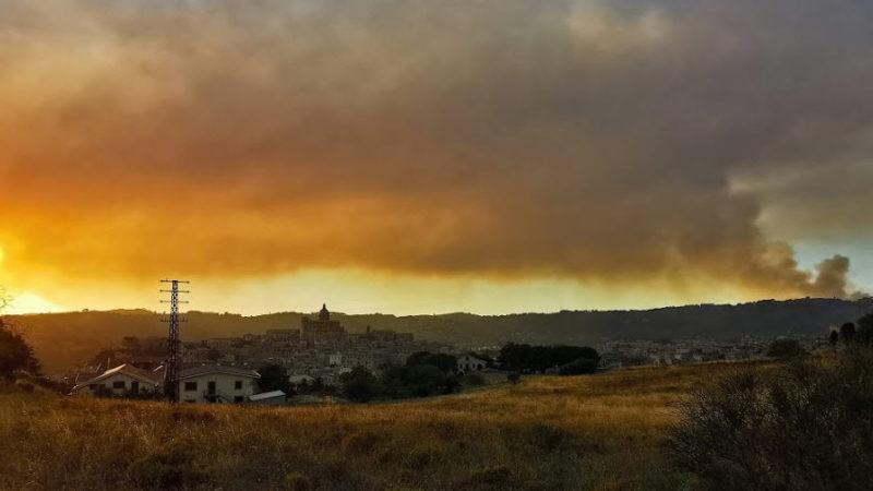 Brucia la provincia di Enna: focolai da Piazza Armerina a Capizzi