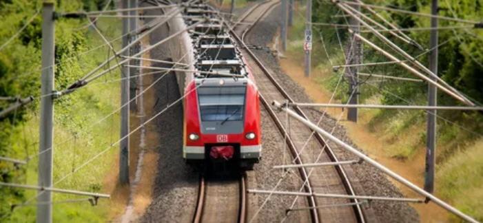 L'assessore regionale alle Infrastrutture Marco Falcone al cantiere del raddoppio ferroviario della linea Catania-Palermo
