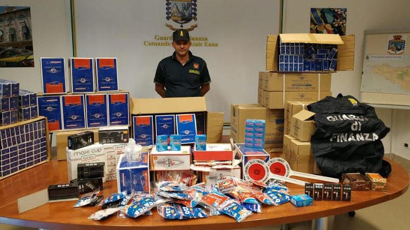 Sequestrati oltre 5 milioni di cartine e filtri per sigarette venduti senza autorizzazione