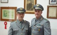 Il comandante Roberto Franchino e l'ispettore superiore Oscar Sole del Corpo Forestale da oggi in pensione