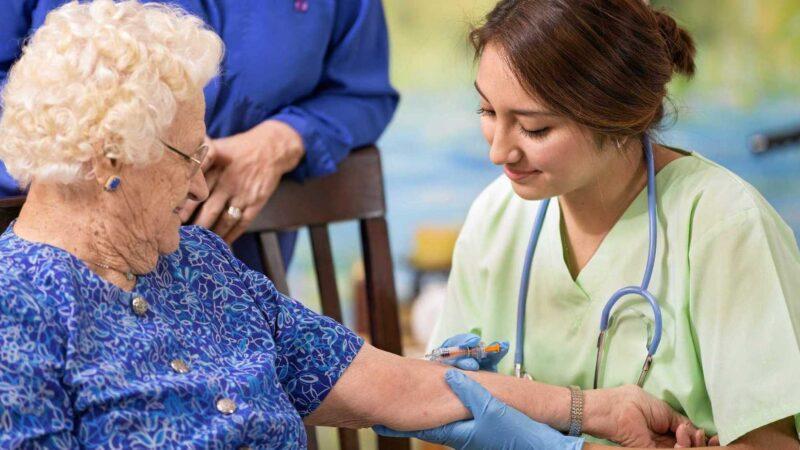 ASP Enna. Avviso: slitta a febbraio la vaccinazione per gli ultraottantenni
