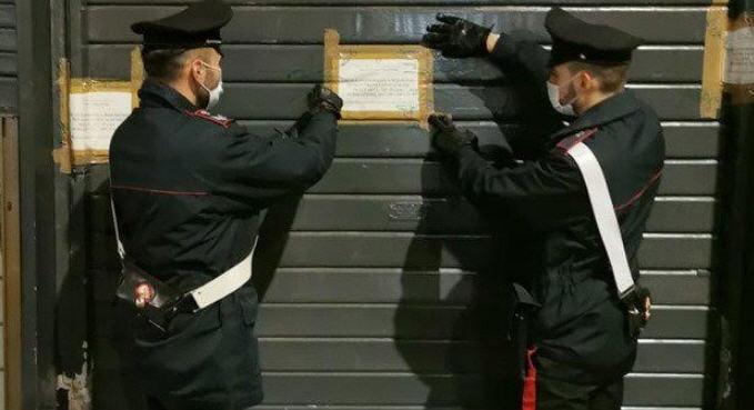Carabinieri impegnati nel far rispettare le norme anti-covid. Chiusi due locali a Pietraperzia