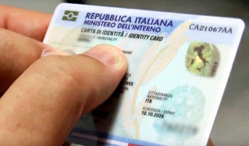 Rischi e problemi in cui incappa chi non rinnova la carta d'identità