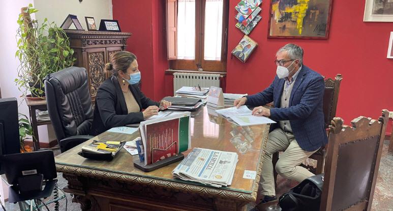 Anche Valguarnera aderisce al Cammino di San Giacomo. l'ideatore , Totò Trumino, a colloquio con il sindaco Draià