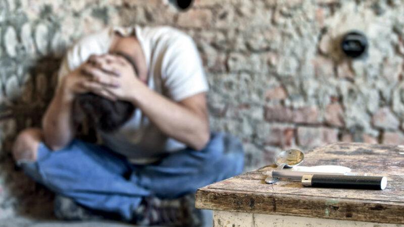 Quarantesimo anniversario dell'Associazione Narcotici Anonimi in Italia. Un aiuto per uscire dal tunnel della droga.