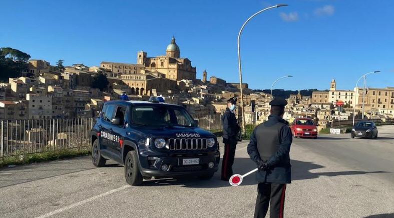 Piazza Armerina – I Carabinieri sospendono l'attività di un esercizio pubblico