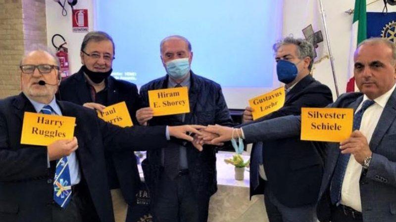 """Il libro di Francesco Paolo Orlando-""""Harris il fondatore del Rotary"""" presentato a Piazza Armerina"""