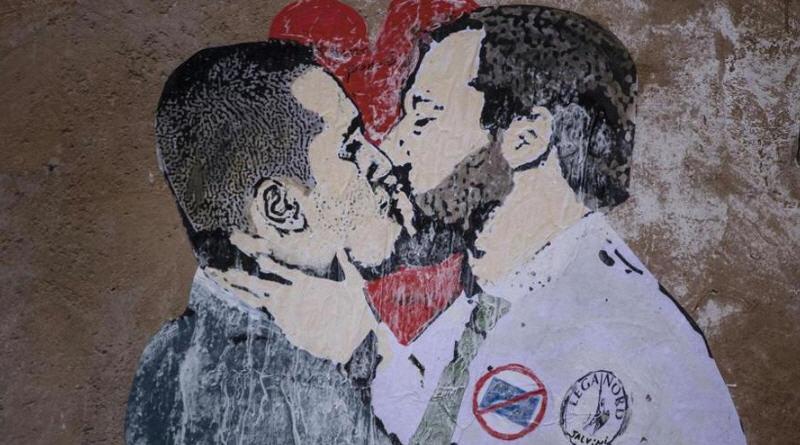 Bacio traditore Di Maio – Salvini: scomparso il reddito di cittadinanza, evaporata la Flat Tax