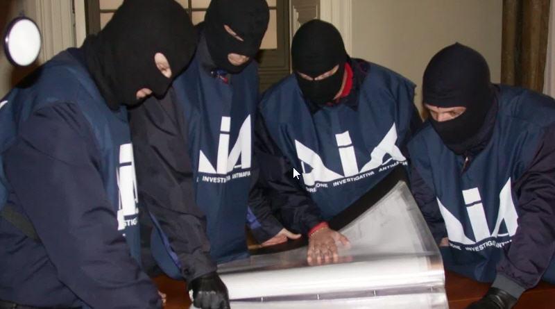 Mafia, operazione a Castelvetrano: caccia ai fiancheggiatori del boss Messina Denaro