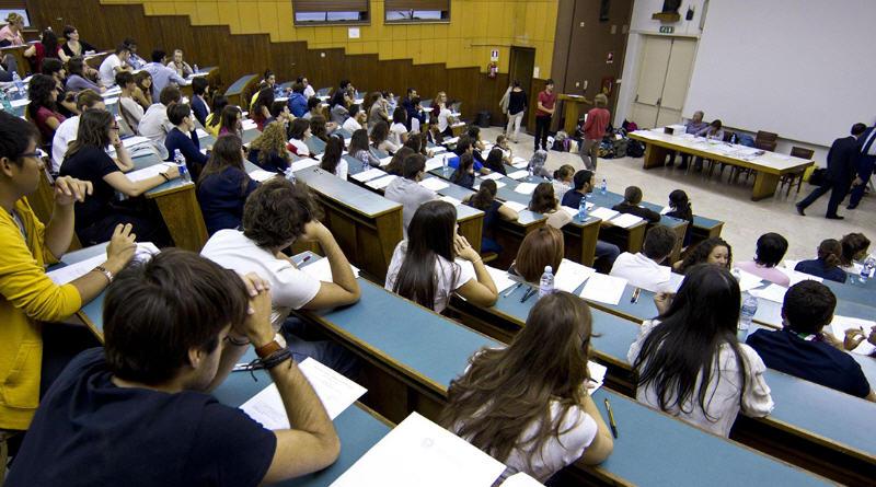 Bando per la concessione di contributi economici a studenti universitari fuori regione