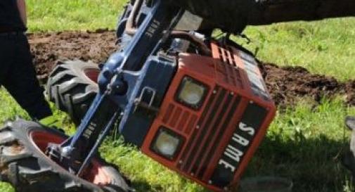 Incidente sul lavoro ieri a Enna: uomo rimane schiacciato dal proprio trattore