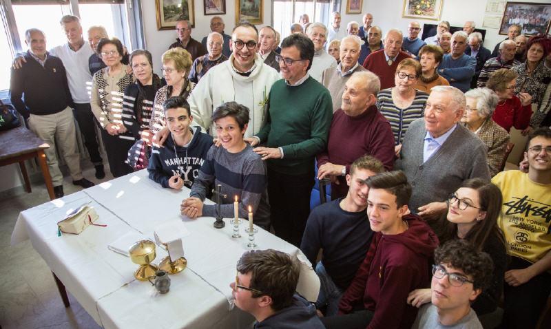 Enna – I ragazzi del Progetto 360 ospiti del Centro Anziani Don Leo Vetri