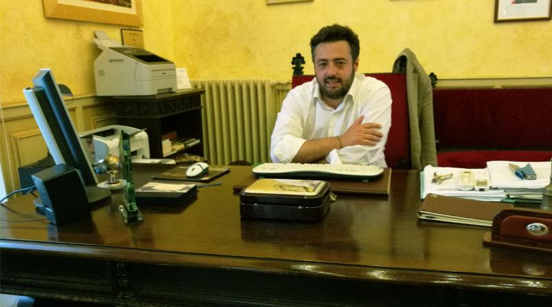 Il sindaco Nino Cammarata in municipio incontra i dipendenti comunali [VIDEO]